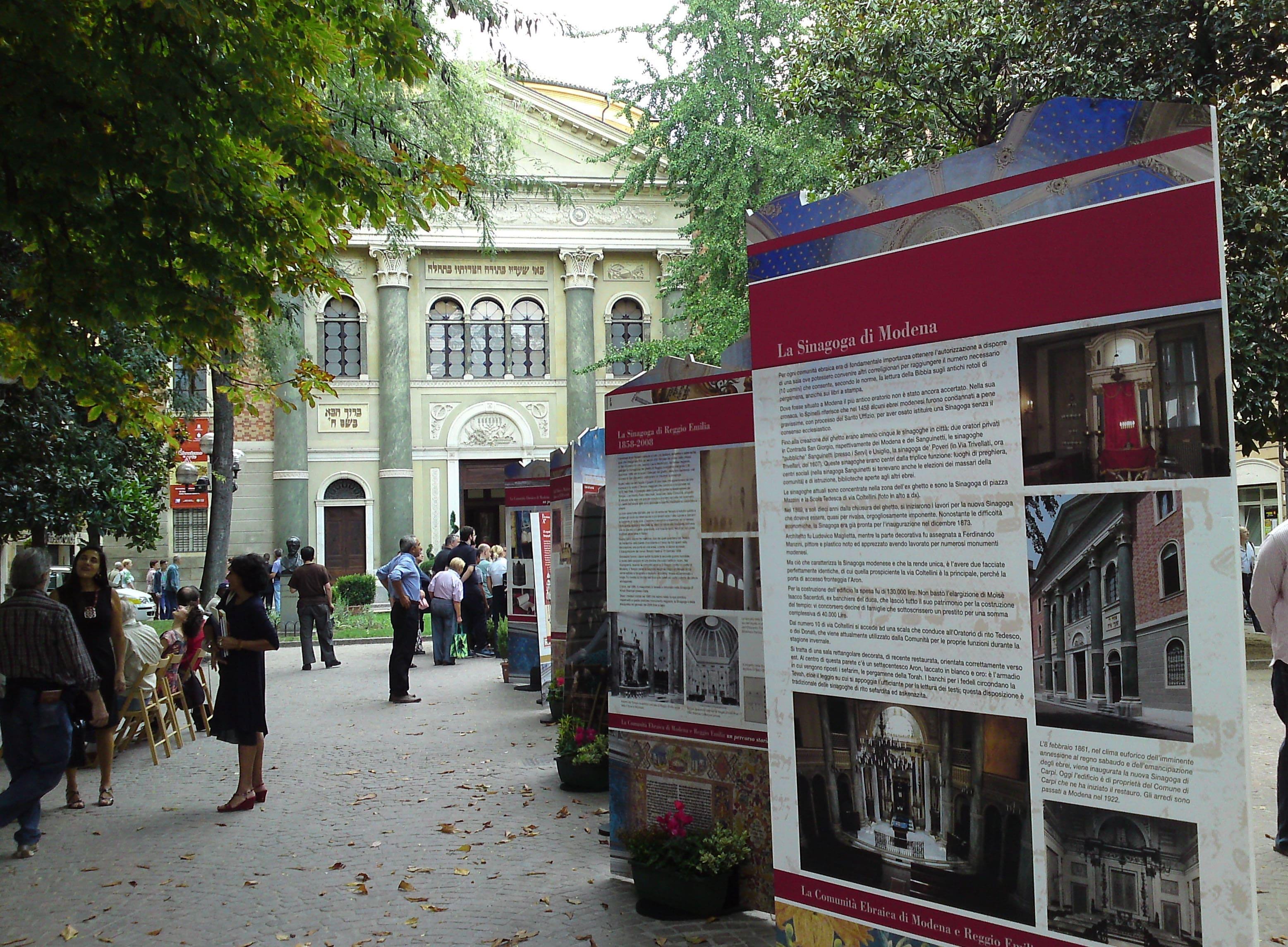 Modena - Sinagoga e pubblico