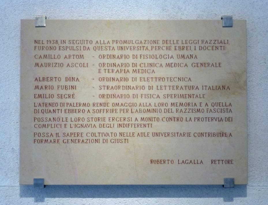 Targa Palazzo Steri docenti ebrei cacciati leggi 1938 - Foto Sandro Riotta